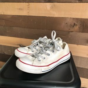 Converse White Chuck Taylor Women's Shoes size 6
